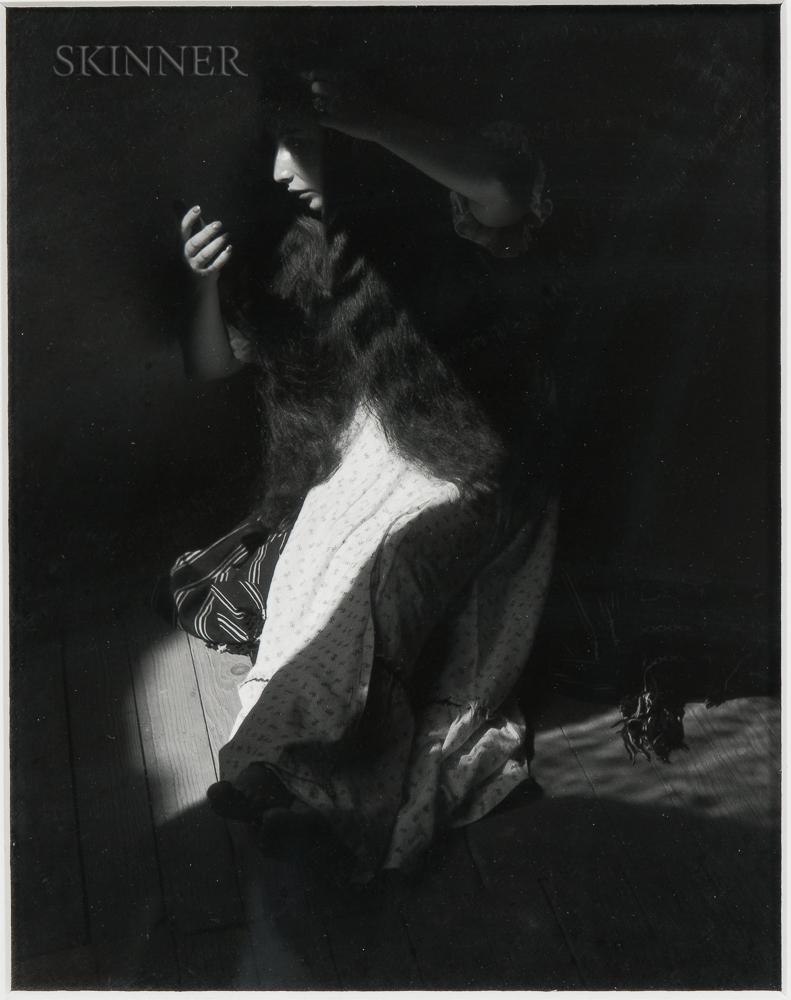 Manuel Álvarez Bravo (Mexican, 1902-2002) Retrato de lo eterno (Portrait of the Eternal), 1935, printed later (Lot 124, Estimate: $3,000-5,000)