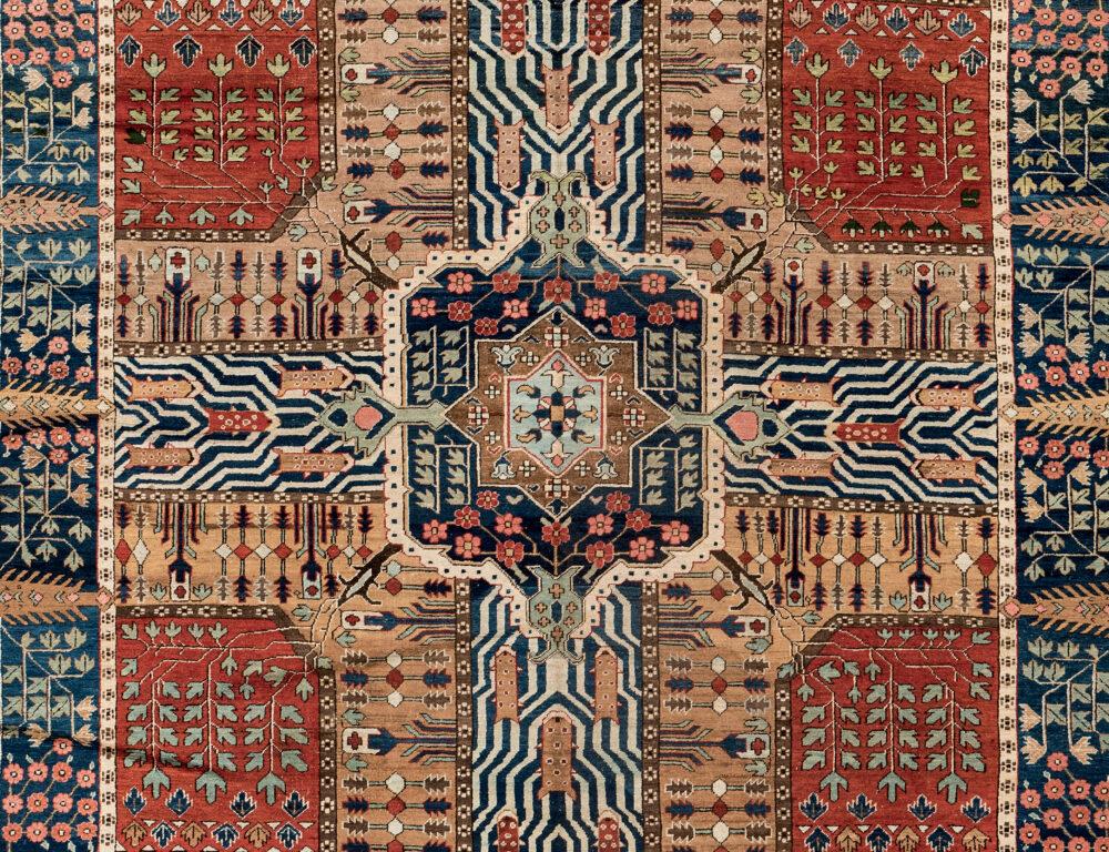3302B | Fine Oriental Rugs & Carpets