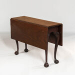 Mahogany Drop-leaf Tea Table, Rhode Island, c. 1760-80 (Estimate: $8,000-12,000)
