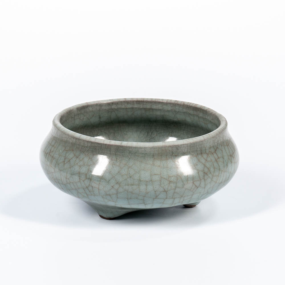 Crackle-glazed Celadon Censer, China (Lot: 1396, Estimate: $400-600)