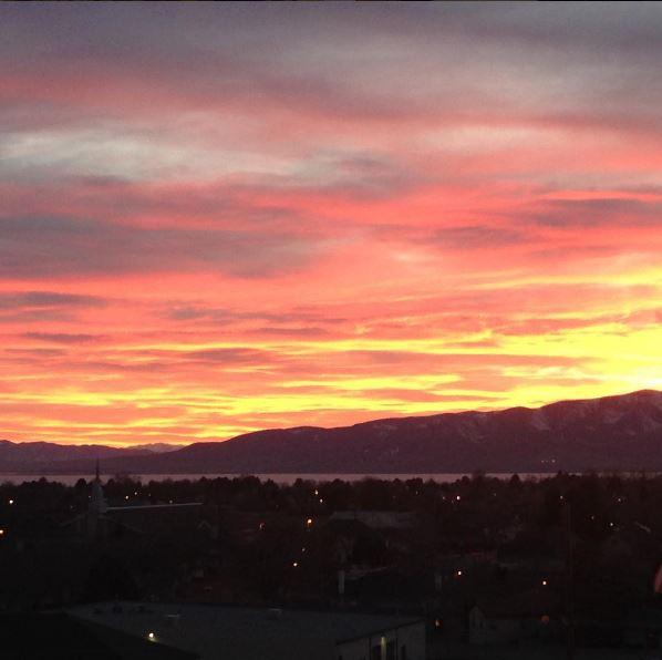Sunset Lake Apartments: Utah Wedding Venue & Apartments