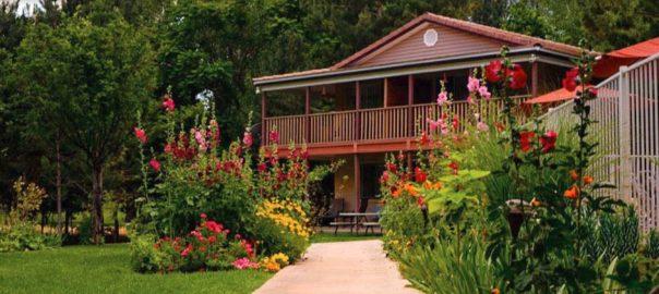 Utah-Wedding-venue-Cliffrose-Lodge-Gardens