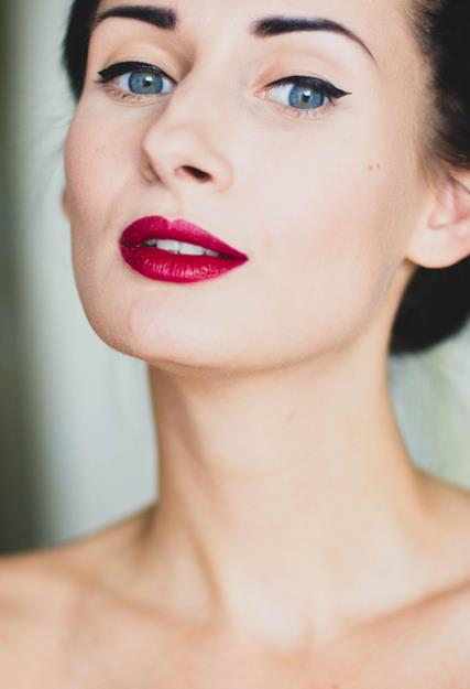 How-To-Make-Your-Makeup-Last-All-Wedding-Day-1