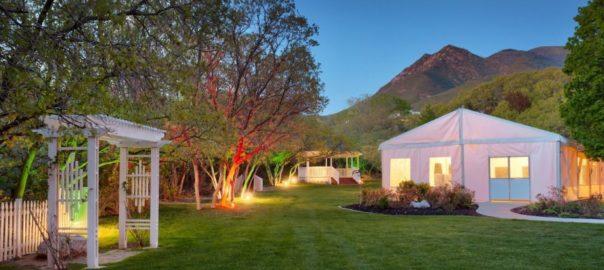 Utah-Wedding-Venue-Salt-Lake-City-Marriott-University-Park-outdoor
