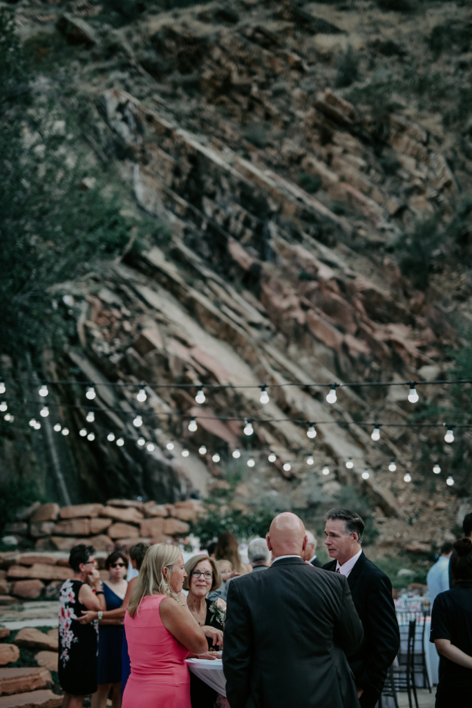 Finding-The-Perfect-Wedding-Reception-Venue-Louland-Falls-outdoor-reception