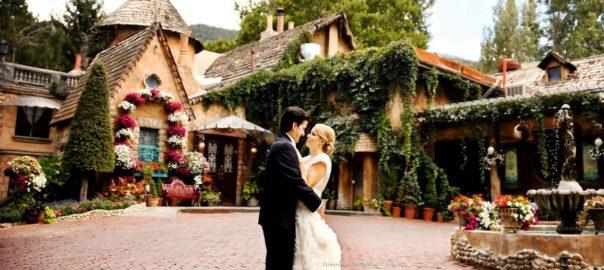 Utah-Wedding-Venue-Outdoor-and-Indoor-La-Caille-entrance