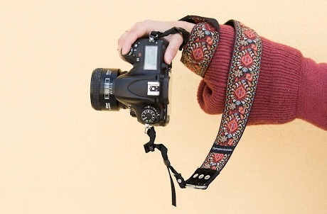 3 Ways to Thank Your Wedding Photographer camera