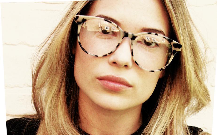 23840fb32 Óculos de grau com armações statement é a nova sensação - SocialClub