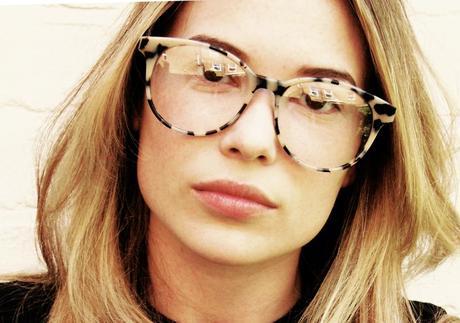 8761766b8 Óculos de grau com armações statement é a nova sensação - SocialClub