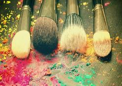 Limpar pincéis de maquiagem com apenas 2 ingredientes da sua cozinha: veja como
