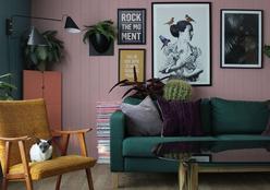 Sala de estar colorida e com ar retrô