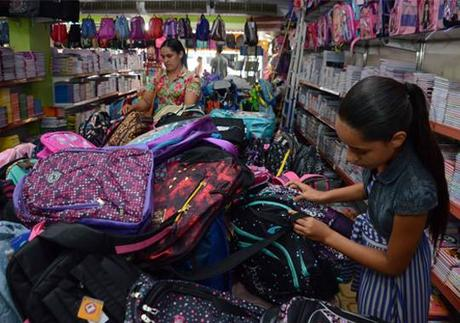 Materiais escolares alavancam vendas no comércio de Rondonópolis