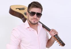 Em defesa do campo, cantor mato-grossense lança música em repúdio a samba enredo