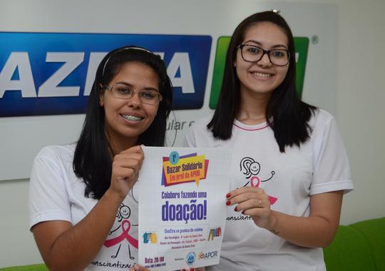 Jovem ajuda a promover bazar solidário em benefício de pacientes com câncer