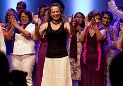 Coral da Terceira Idade da UFMT embala Teatro Universitário com canções e serestas