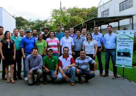 Representantes da empresa Syngenta conhecem estrutura da Aprosmat