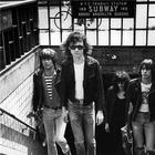 Especial punk rock resgata legado da banda Ramones nesta sexta