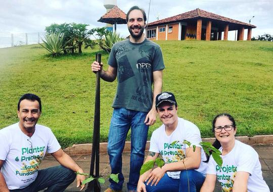 """Boa Ação """"Plantar é Preciso, Somar é Necessário"""""""
