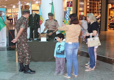 Exposição no Rondon Plaza Shopping comemora Dia do Soldado