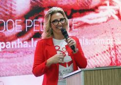 1ª dama abre doações da maior campanha de inverno do Centro-Oeste