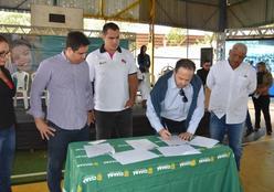 Parceria entre a Prefeitura e instituto do medalhista olímpico Flávio Canto vai oferecer aulas de judô