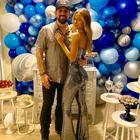 Sertanejo Sorocaba ganha festa surpresa da namorada Biah Rodrigues