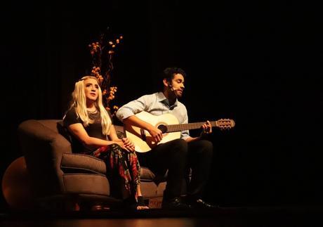 Uma mistura de teatro e cinema: Loucos de Amor volta aos palcos neste final de semana