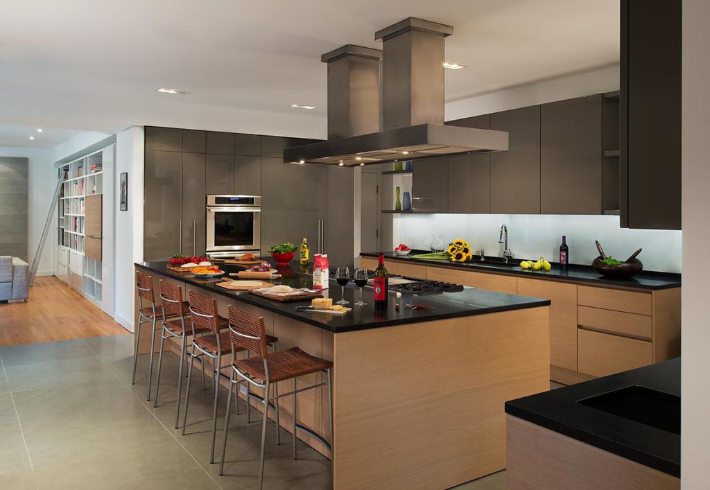 Bethesda Maryland Master Suite Remodeling: CARNEMARK Design + Build, Bethesda, Md.