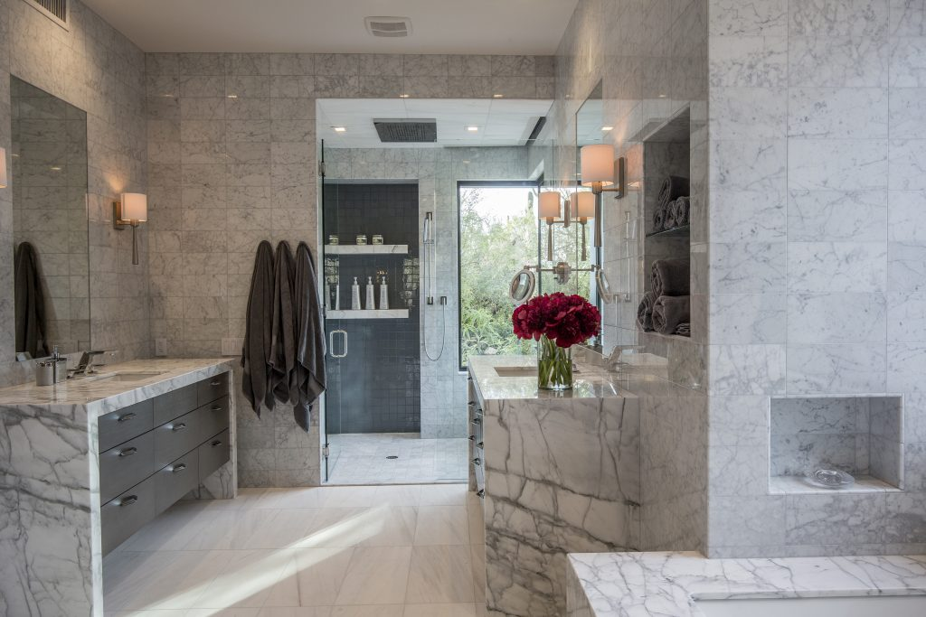 Master Bath Over $50,000 – KBDA 2017 Silver Winner