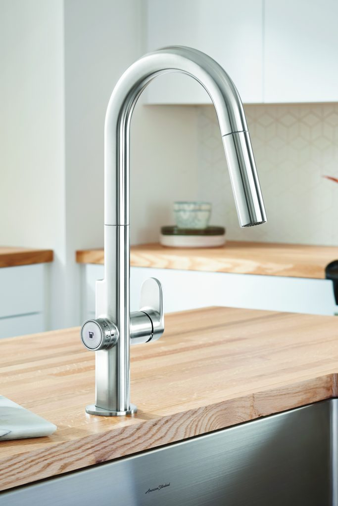 Kitchen Faucet With Measurement Technology For