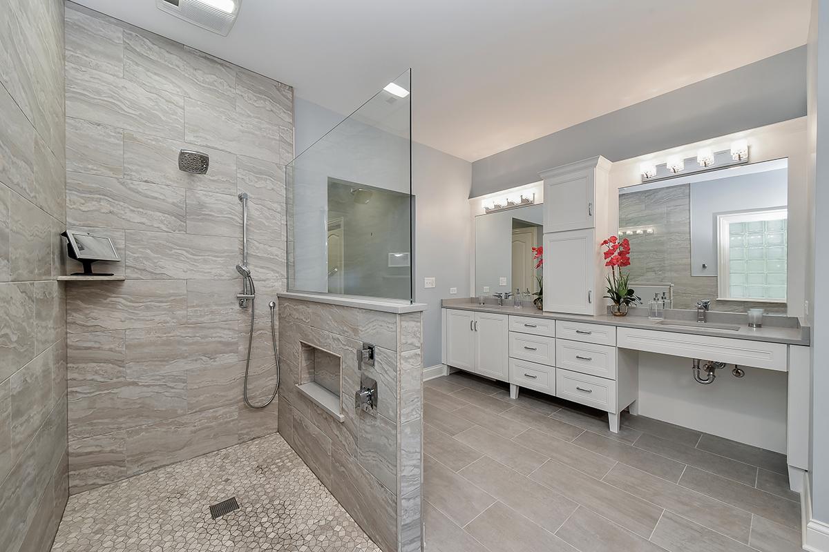 Neustadt Master Bathroom