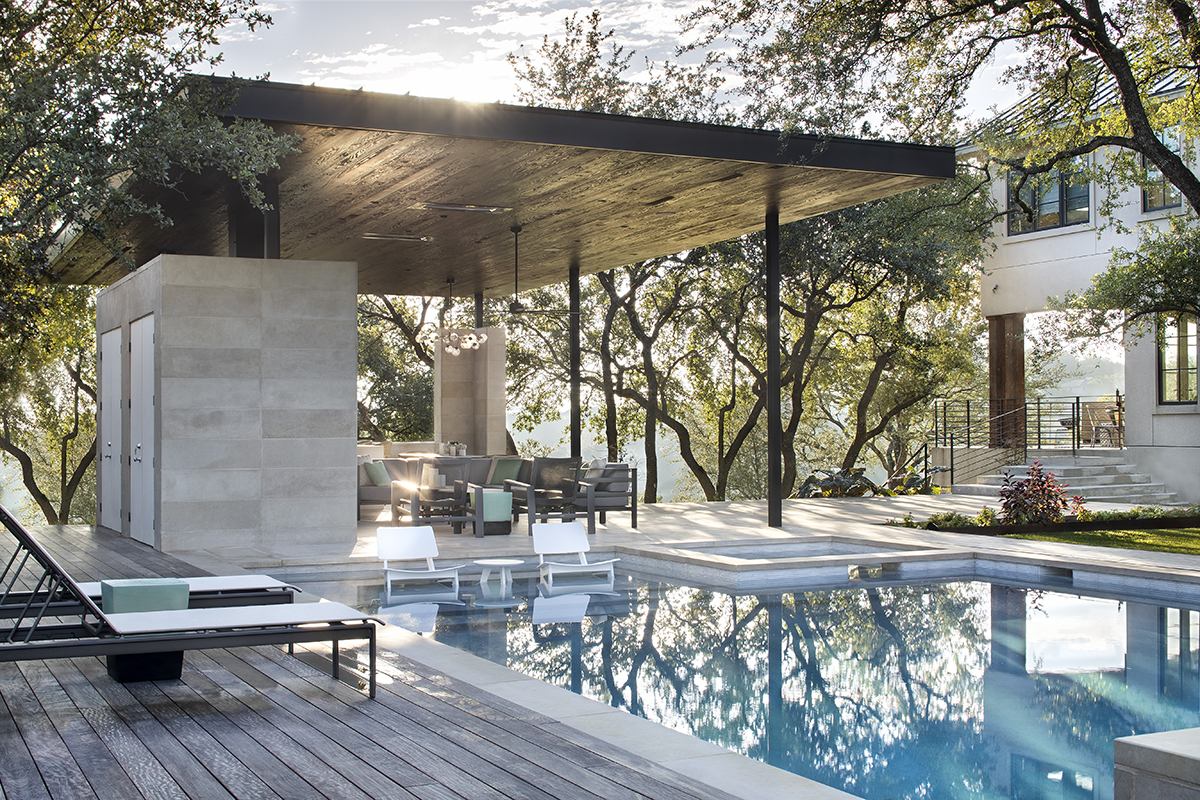 Longchamp Outdoor Living