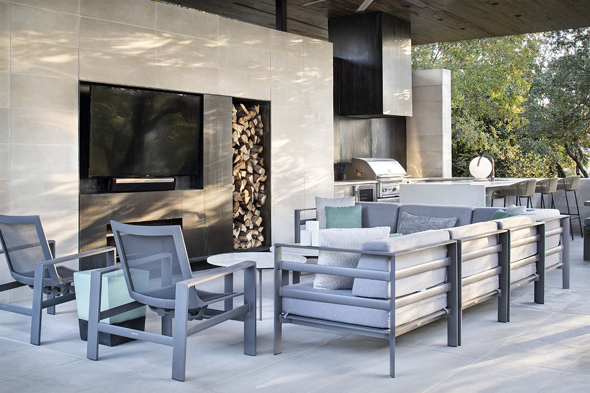 Longchamp Outdoor Living