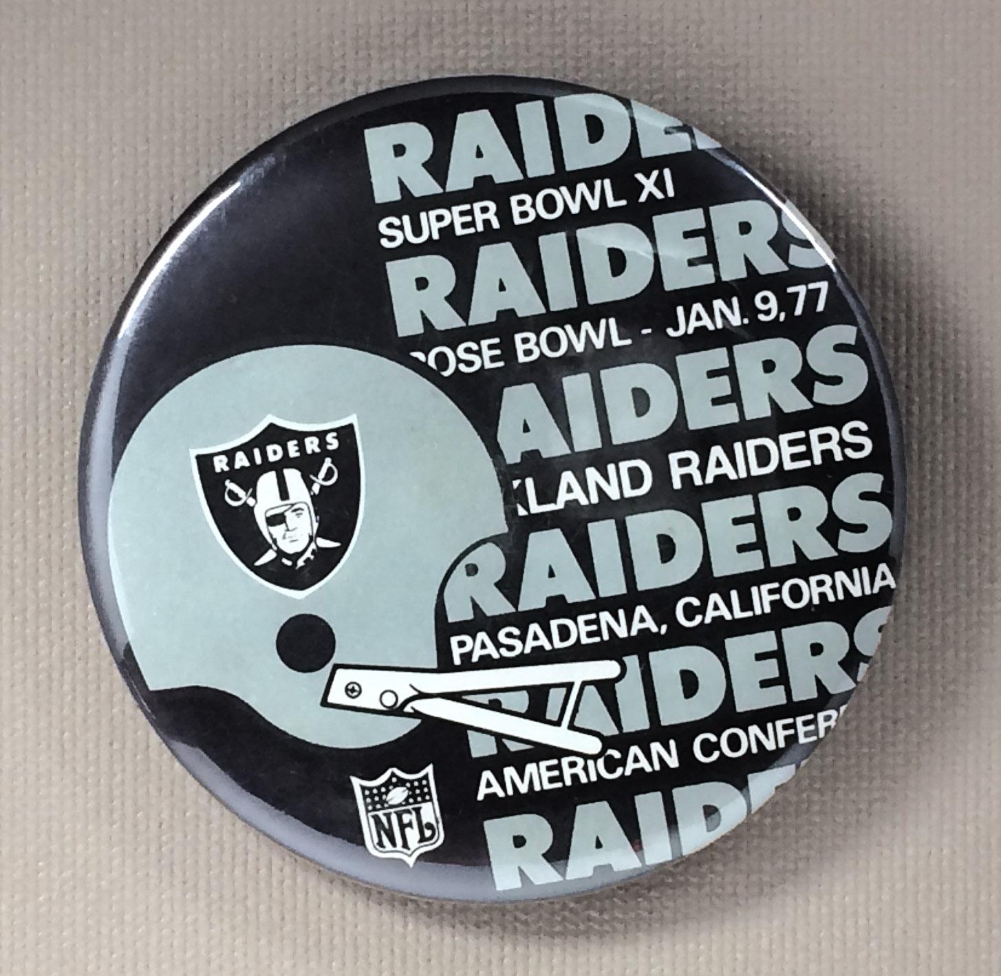 Oakland Raiders Super Bowl XI Button