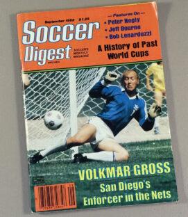 Soccer Digest September 1982