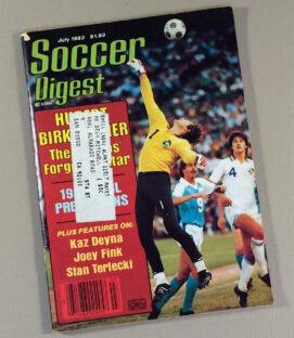 Soccer Digest July 1983
