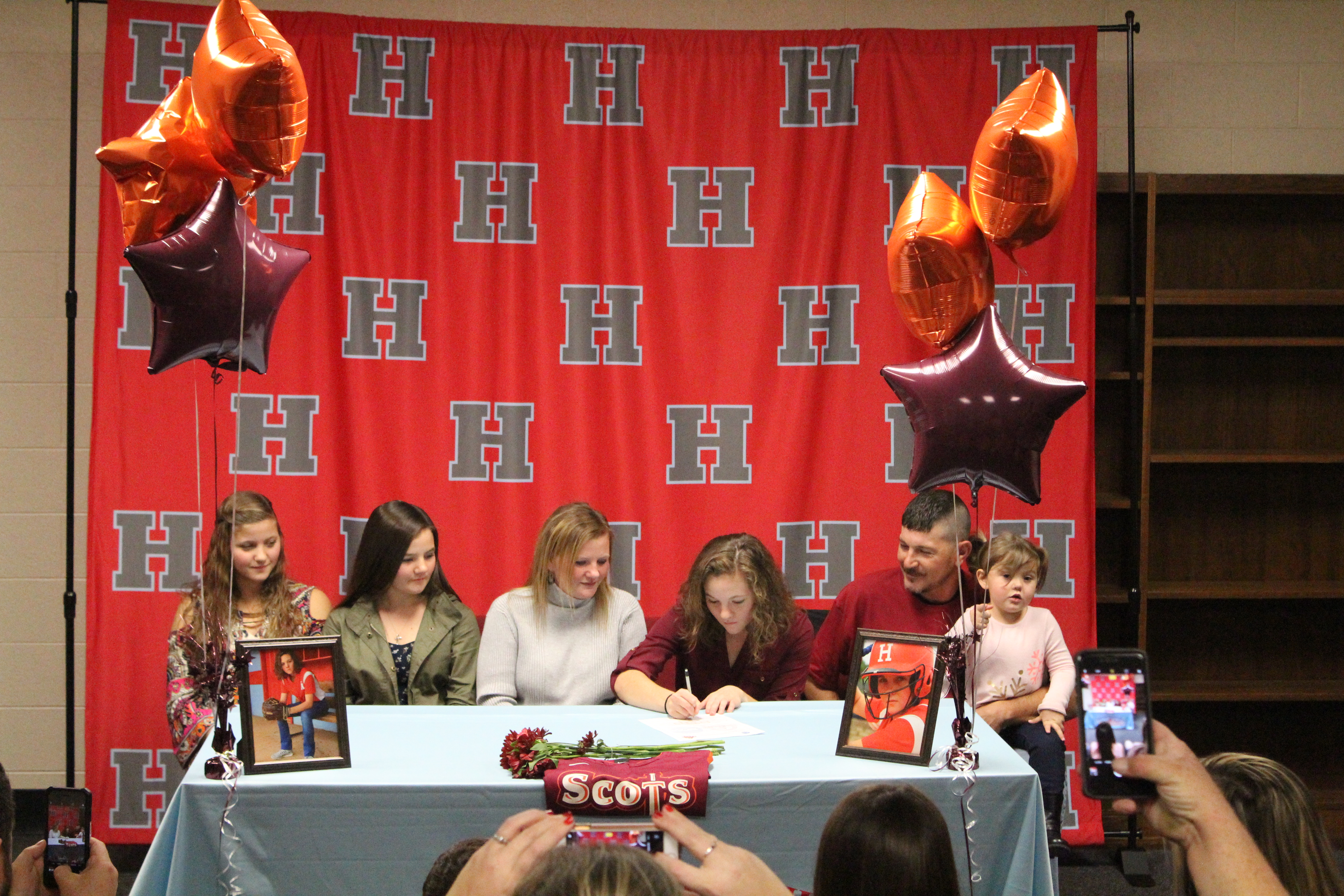 Ashleigh Geary Signs to Play Softball at Maryville College
