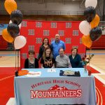 Ashelyn Vandergriff Signs to Play Volleyball at Milligan College