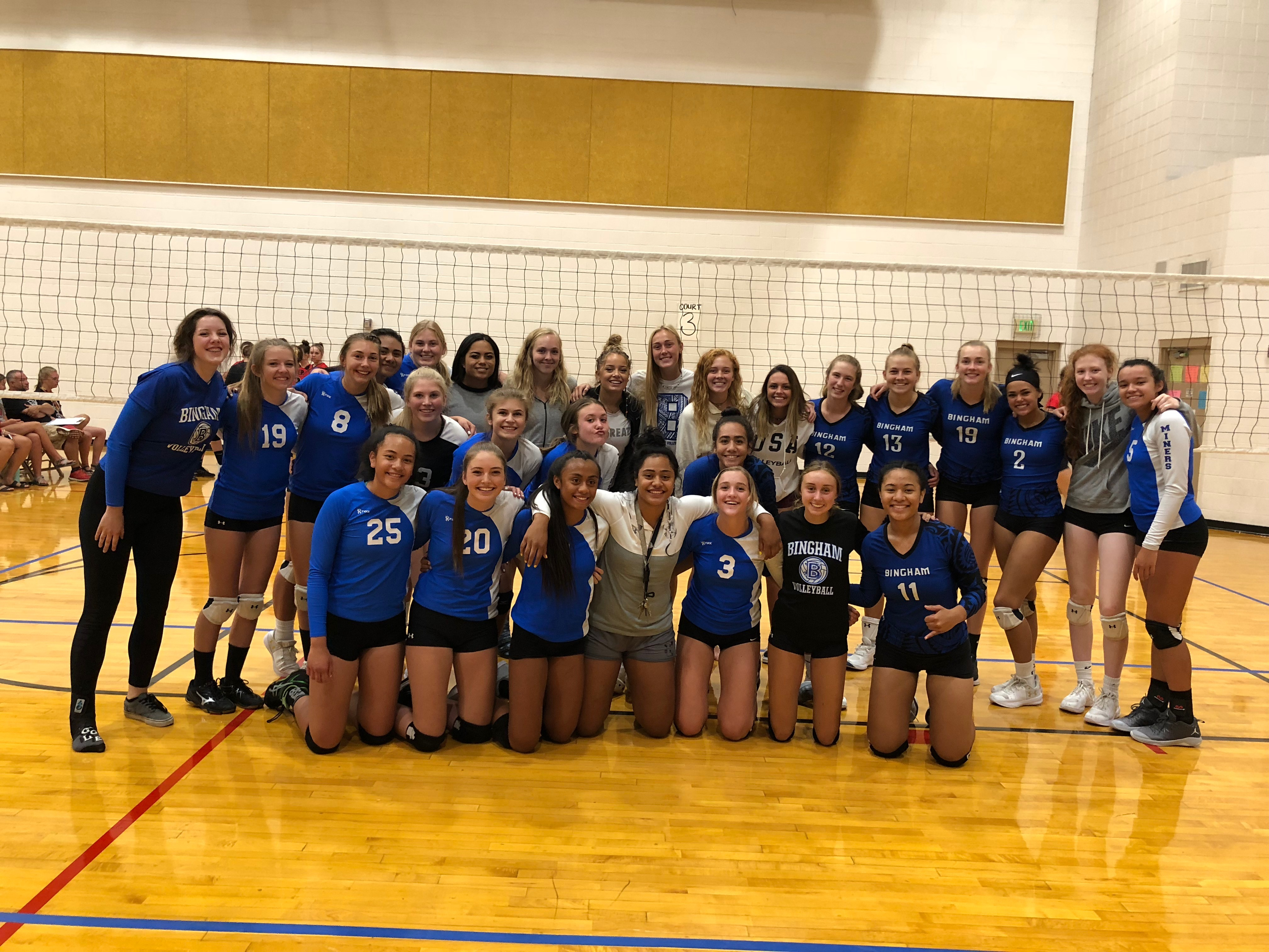 JV and Soph Volleyball both go 3-1 at Davis Tournament