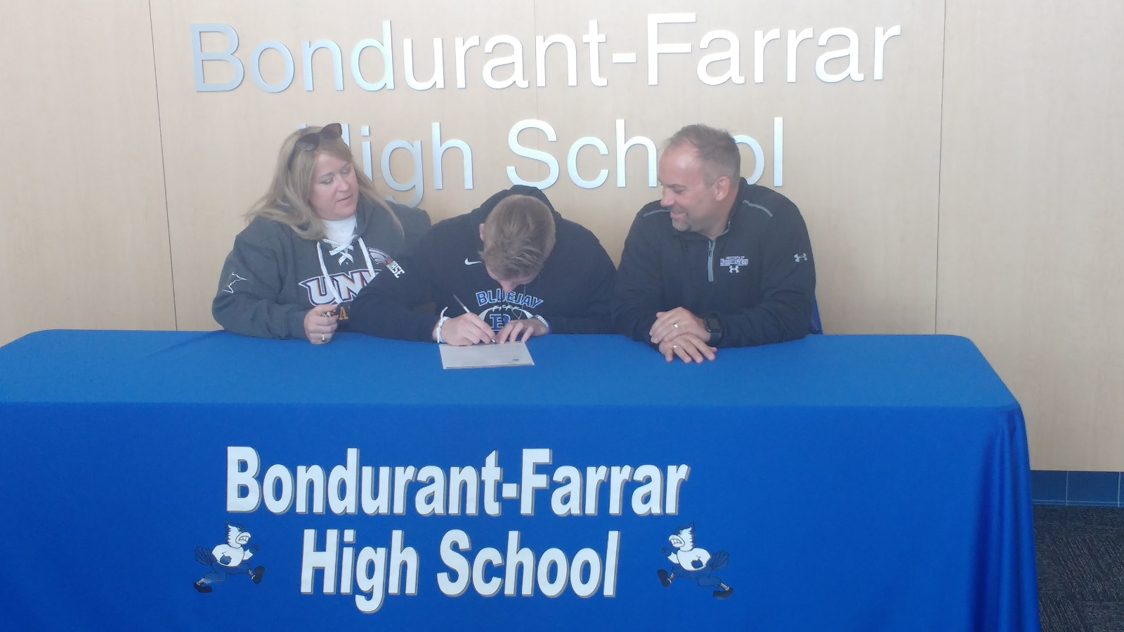 Lohse signs with Northwestern (St. Paul) Football!
