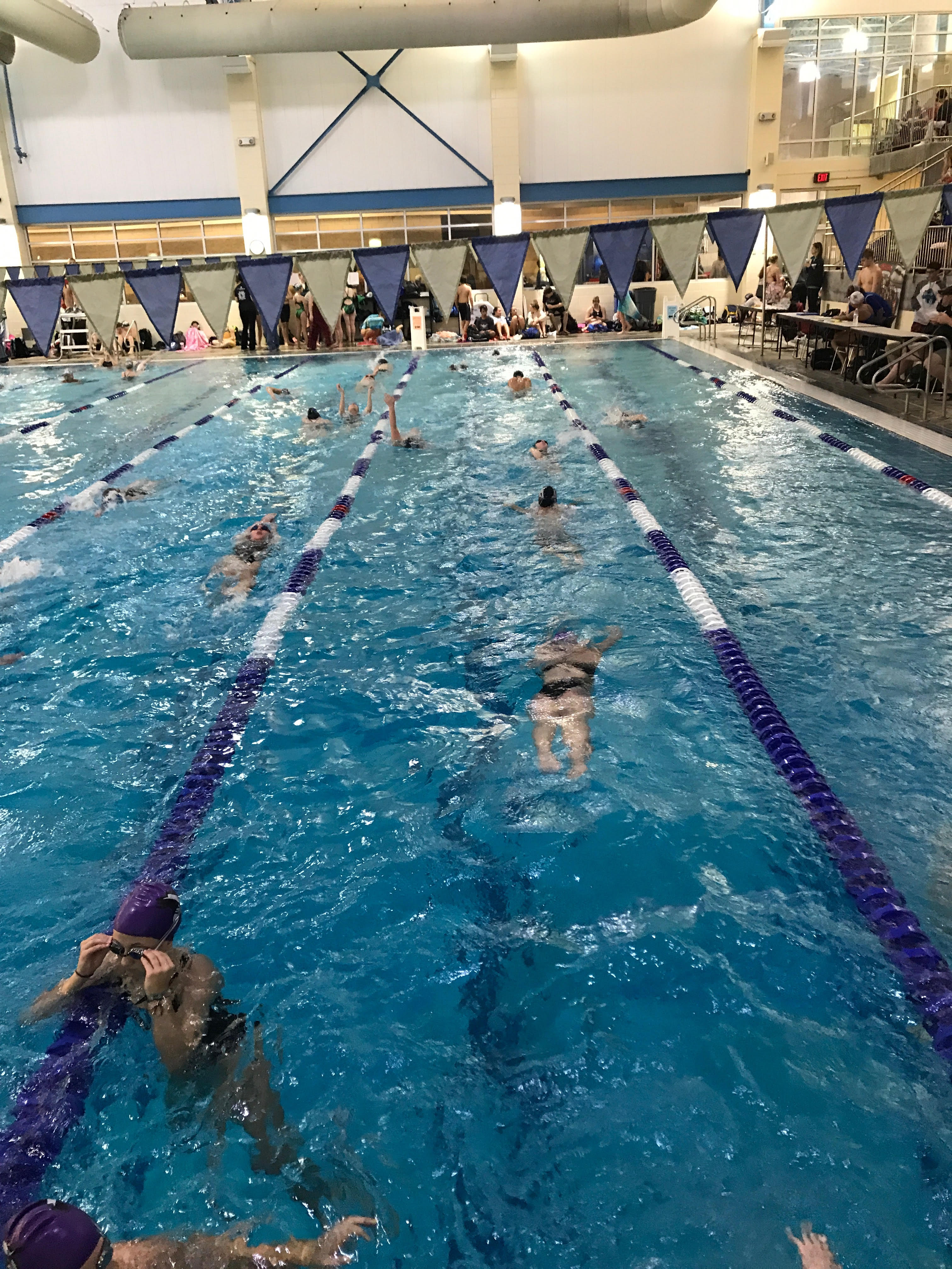 Varsity Swimming Wins Fall Frenzy Invitational