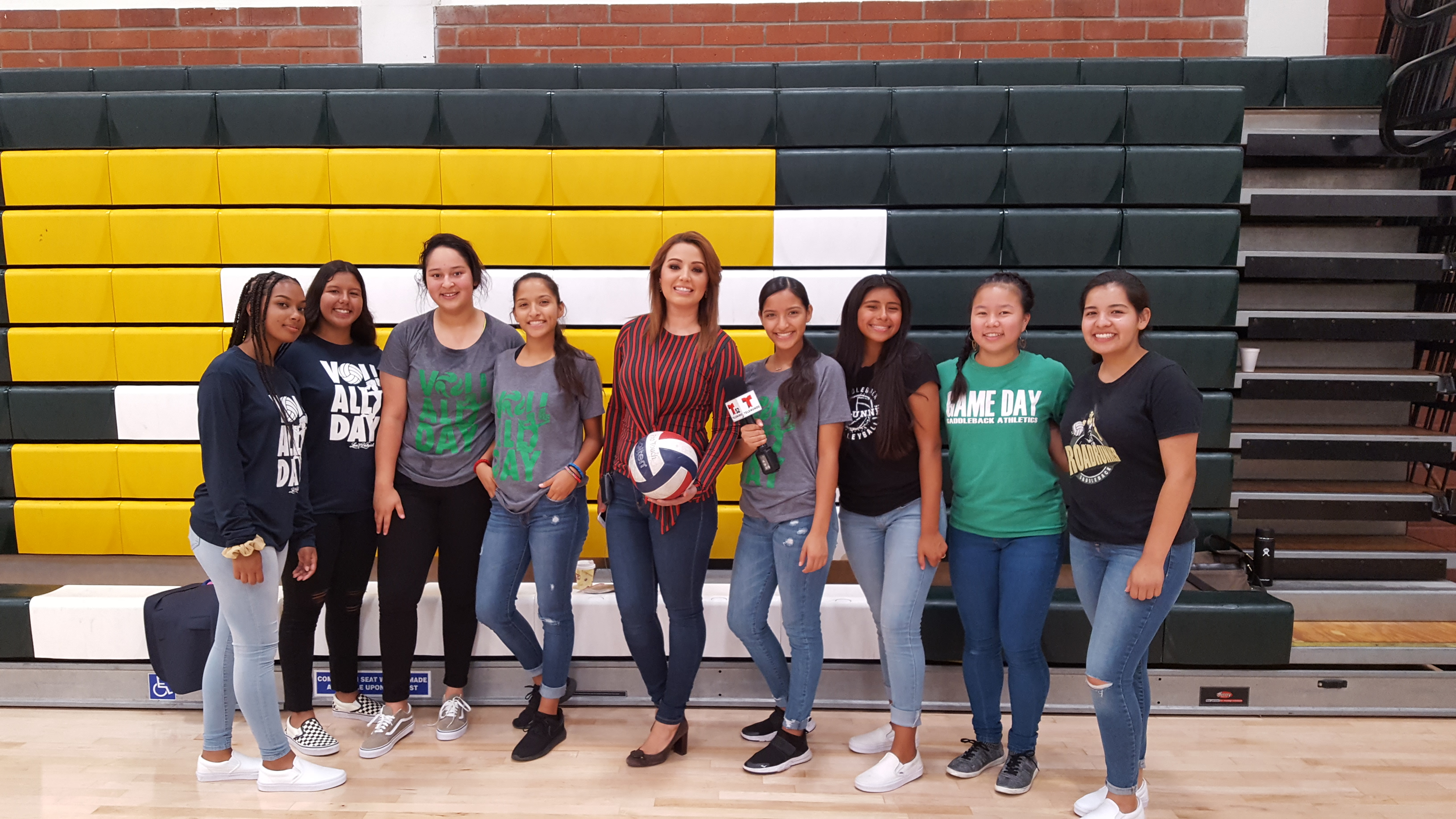 Girls Volleyball on Telemundo