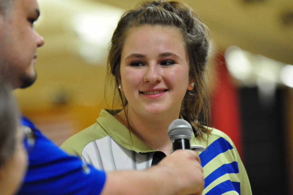 Bowling—Senior Megan Metz making her presence known at State Bowling Tournament–Rolls for state title Friday