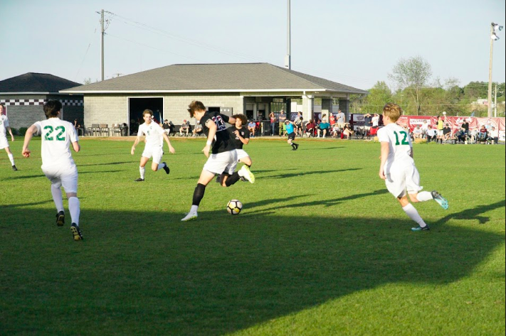 Boys soccer leans on experience, looks to make postseason run