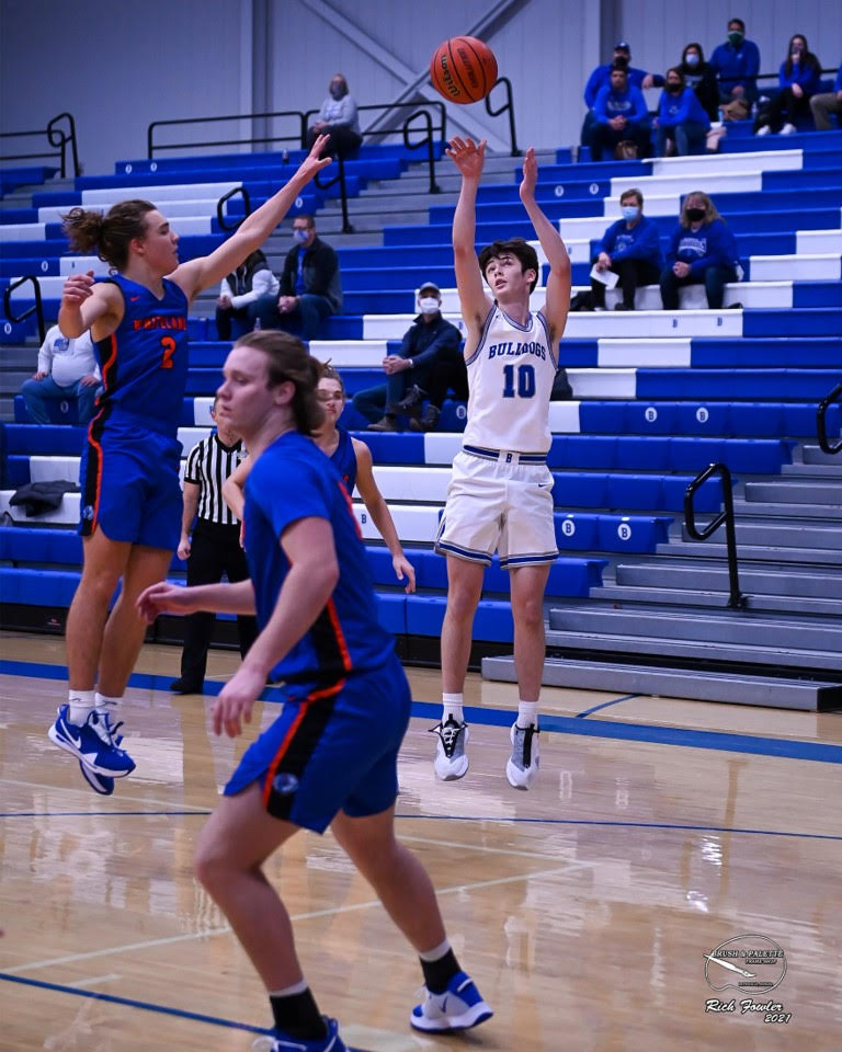 BHS boys basketball hosts Whiteland and East Central