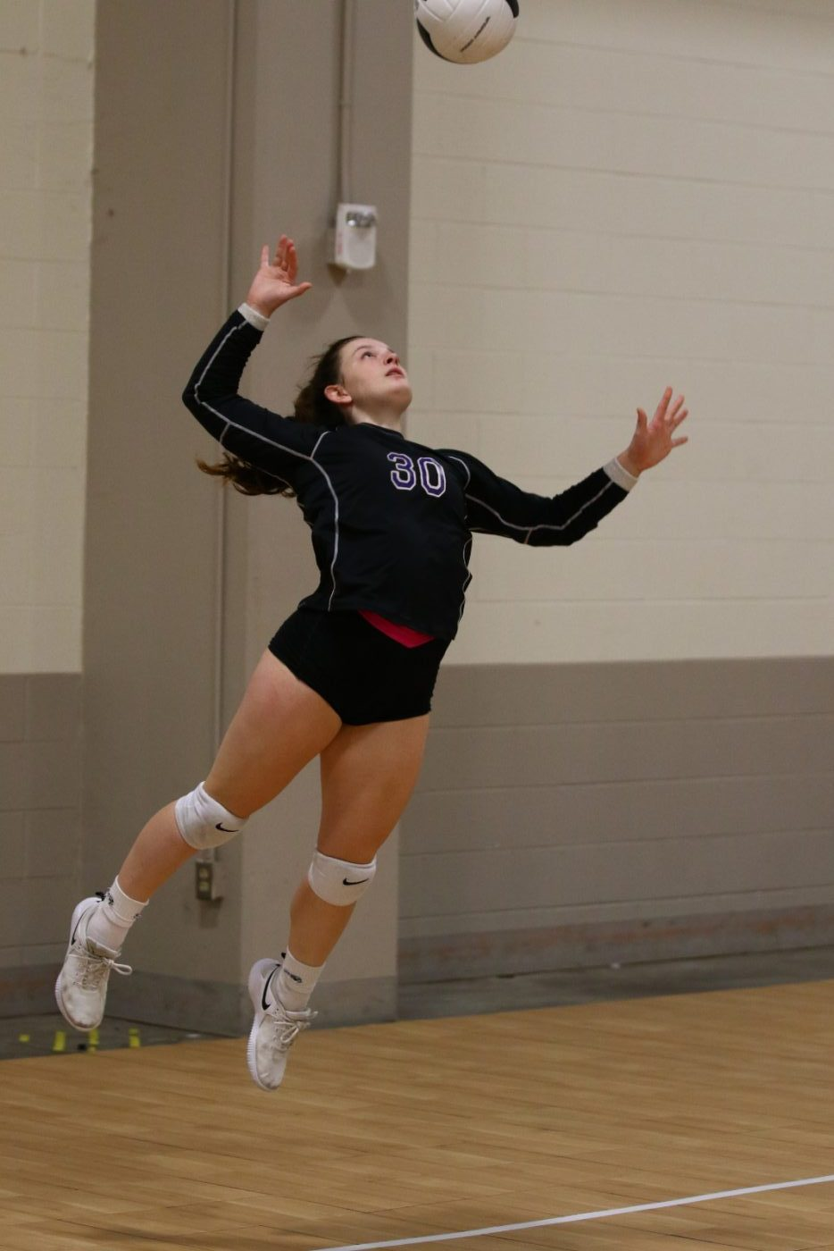 Lady Tigers Volleyball Stays Perfect in District