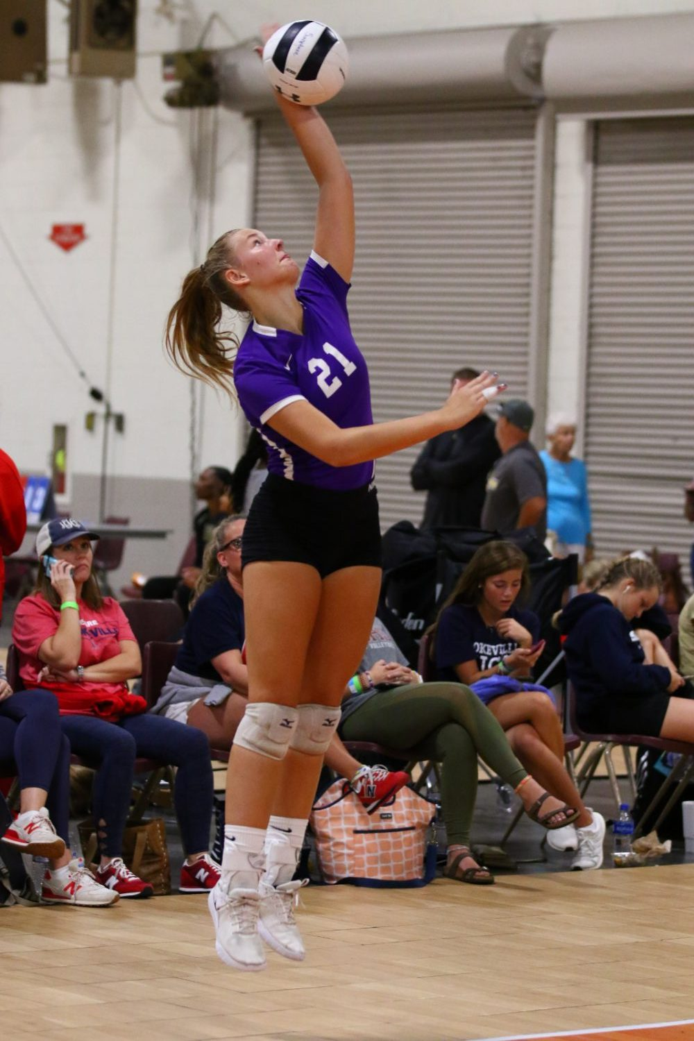 Volleyball Falls to Wilson Central