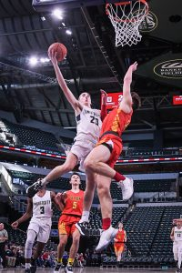 Photo Gallery – Seton Catholic vs University – Boys Varsity Basketball