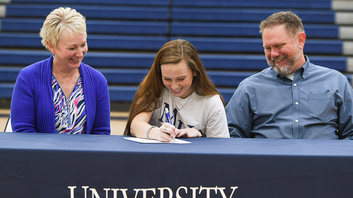 Tessa Hudson ('20) Commits to Play Soccer at Marian University
