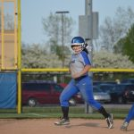 Softball: Hot Dogs Fall Short to Stars